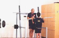 Thumbnail Teilnehmer beim Training für einen Wettbewerb beim Leichtathletikcamp
