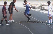 Thumbnail Übungen mit einem professionellen Trainer beim ISC Leichtathletikcamp
