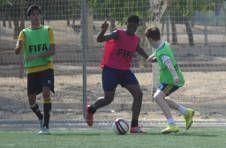 Thumbnail Teilnehmer spielen ein Fußballspiel in Spanien