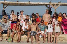 Thumbnail Internationale ISC Teilnehmer nach einem Tag am Strand