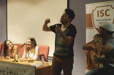 Thumbnail Flamencosänger beim Musikunterricht