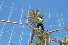 Thumbnail Teilnehmer beim Hindernislaufkurs in Alicante
