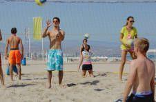 Thumbnail Teilnehmer beim Beachvolleyballtraining in Spanien